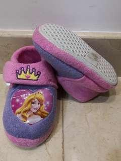 Girls soft shoes (for home or out)