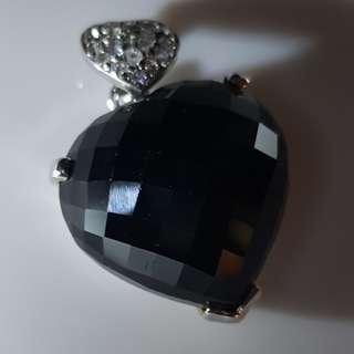 'Black beauty' onyx pendant