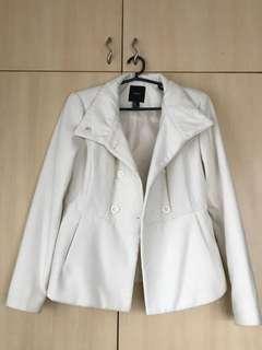 F21 white coat