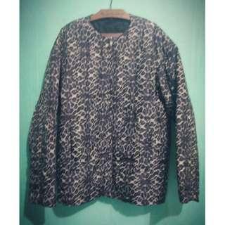 Jaket wanita Zara Basic, motif leopard