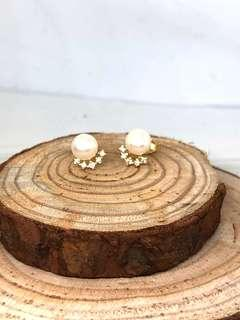 Freshwater pearls & CZ Stud Earrings in Silver 925 (Yellow gold plated)