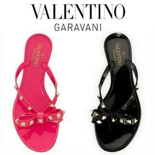 Authentic VALENTINO Valentino Garavani Rockstud flip-flops