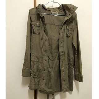🚚 軍綠色修身外套