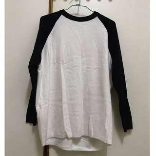 🚚 黑白接拼針織毛衣