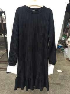 🚚 黑色重磅毛料坑條高領氣質長洋裝