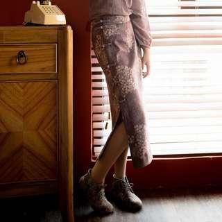 🚚 【鳳眼夫人】原創設計訂製款 靜蓮 薄毛呢復古中國風輕中式緹花高腰改良旗袍盤扣開衩一片式長裙 高腰開衩長裙 修身 百搭 森女系 文藝長裙 高腰裙 中國風長裙
