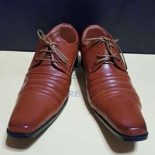 🚚 繫帶 皮鞋 紳士鞋 咖啡色