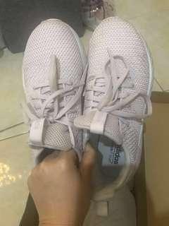 """Sepatu adidas """" Questar Byd W"""" purple (woman size 38)"""