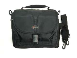 Lowepro Rezo 160 AW camera bag