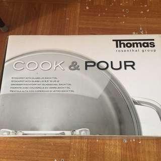 全新 外盒有點舊 完美主義勿者買 Thomas rosenthal group cook & pour