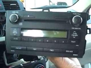 Toyota Corolla 2012  stock radio