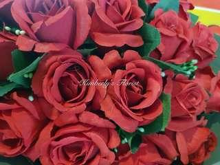Artificial Roses Hand bouquet for Valentine's day