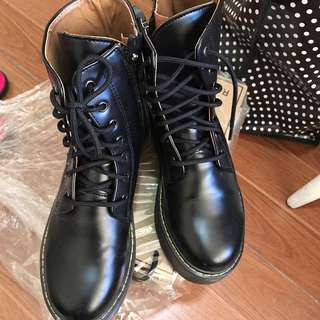 2b9fe281ac0 Buy New   Used Women s Shoes Online
