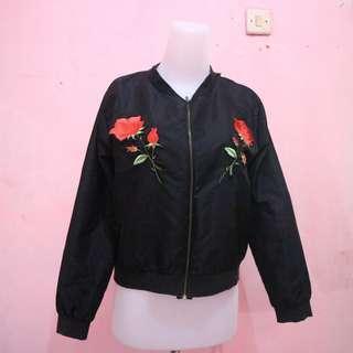 Bomber black flower