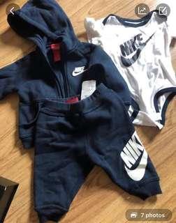 Authentic Nike Set