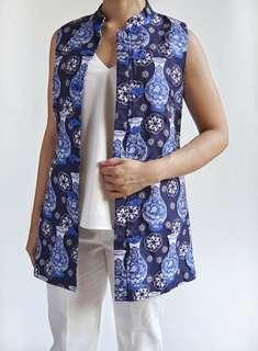 Pre loved solemio Chinese new year pattern blue vest S