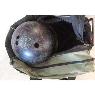 Maxim bowling ball with free bag Good condition and no cracks