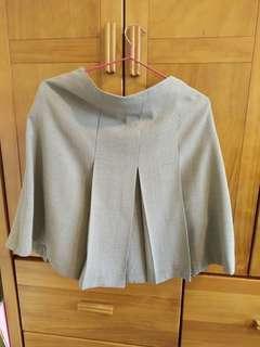 🚚 氣質淺灰白摺裙