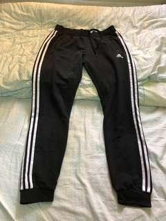 🚚 Adidas運動褲
