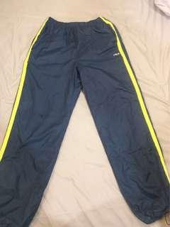 🚚 二手近全新FILA運動鋪棉運動風褲M號 S也能穿