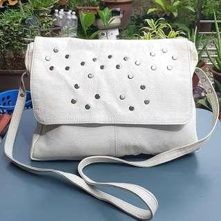UNBRAND STUD WHITE GENUINE LEATHER SLINGBAG