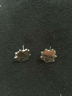 💥SALE💥 hello kitty pair of earrings