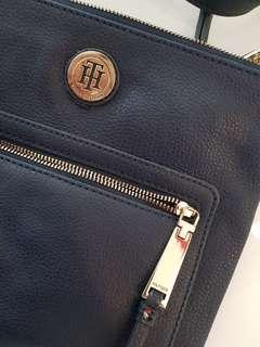 Tommy Hilfiger sling bag, original