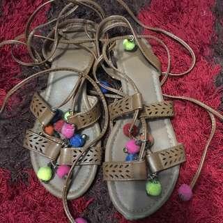 Rubi pom pom sandal