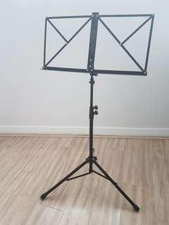 Spectrum foldable music stand