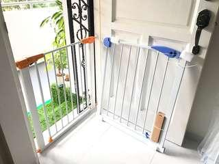 💯FAST SELLING Auto Closed Safety Gate