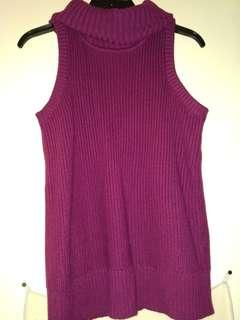 BANANA REPUBLIC knit sleeveless turtleneck (maroon-purple)