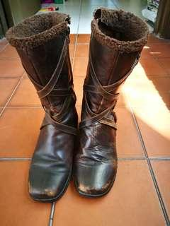 Hush Puppies brown leather boots #PRECNY60