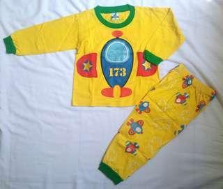 Baju setelan piyama anak motif pesawat