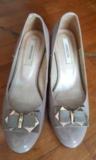 Americaya low heel ladies shoes, size 23.5, heel height 5cm