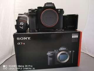 Sony A7rii with L bracket and extra battery
