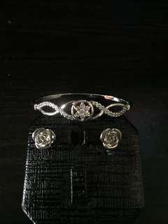 💥BUNDLE💥 bangle + pair of earrings