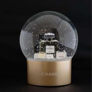 Last Pc Instock! CHANEL No. 5 Christmas Theme Crystal Snow Globe + FREE Courier Delivery