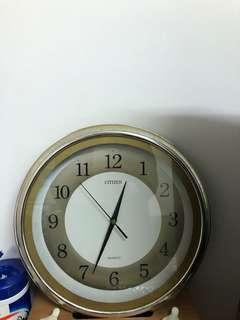 近乎全新 Wall Clock 掛牆門鐘
