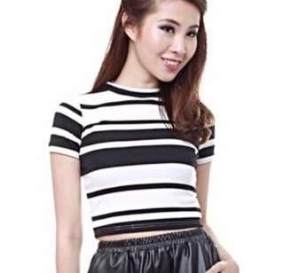 🚚 MDS White and Black Striped Crop Top XS
