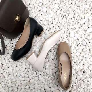 Plain / basic vintage Round Head flat heels