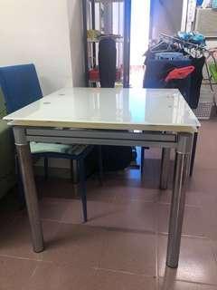 近乎全新 Dining table desk 餐枱 工作枱 正方枱