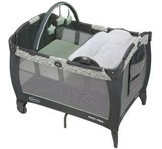 Graco Pack n Play Reversible Napper and Changer