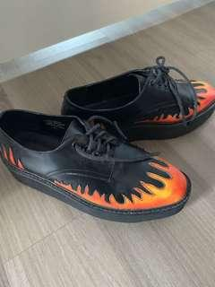 Unif flame creepers