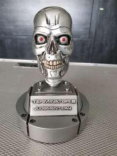 Terminator 2 Judgement Day 1996 mini T-800 skull statue