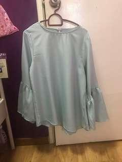 Blouse pastel baby blue