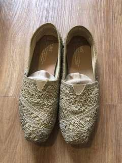 TOMS Classic Gold Crochet Metallic