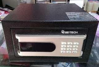 BE-TECH 保險箱3001D-3HLT