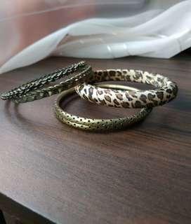 Bangles (brown/bronze)