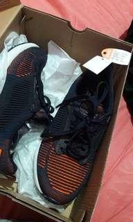 Skechers sepatu