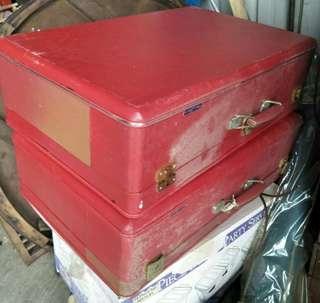 早期行李箱
